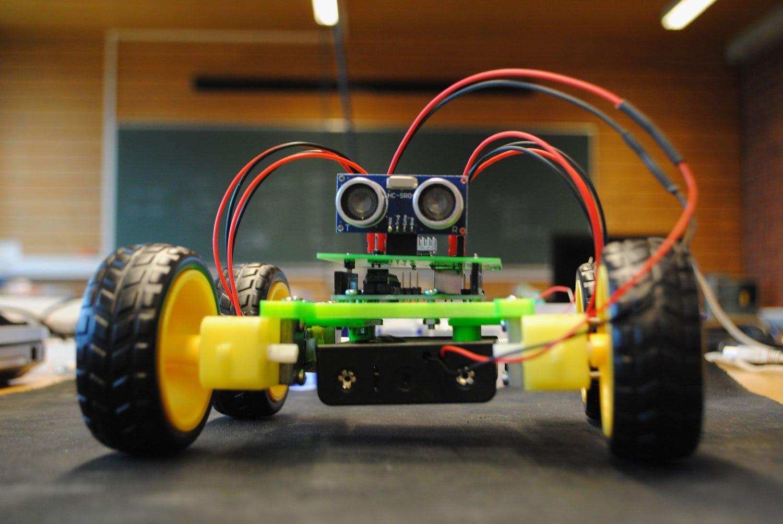 Jobb-med-egenvalgte-prosjekt---Teknologi---Jæren-folkehøgskule
